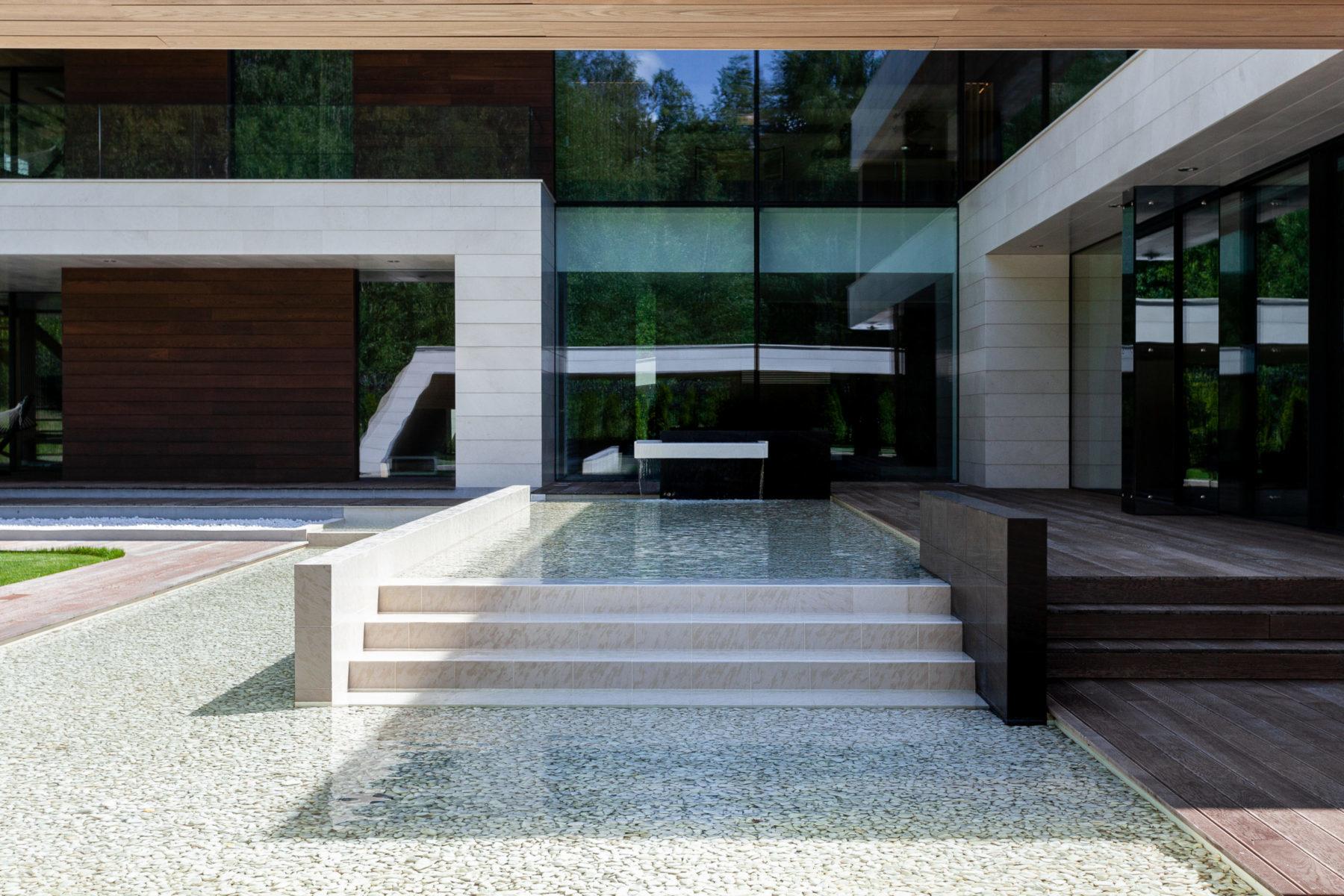 Бассейн в стиле минимализм